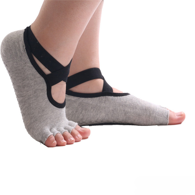 High Quality Custom Logo Non Slip Yoga Socks Wholesale For Women